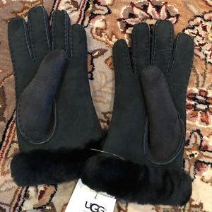 NWT Women's UGG Black Shearling Gloves, Sm